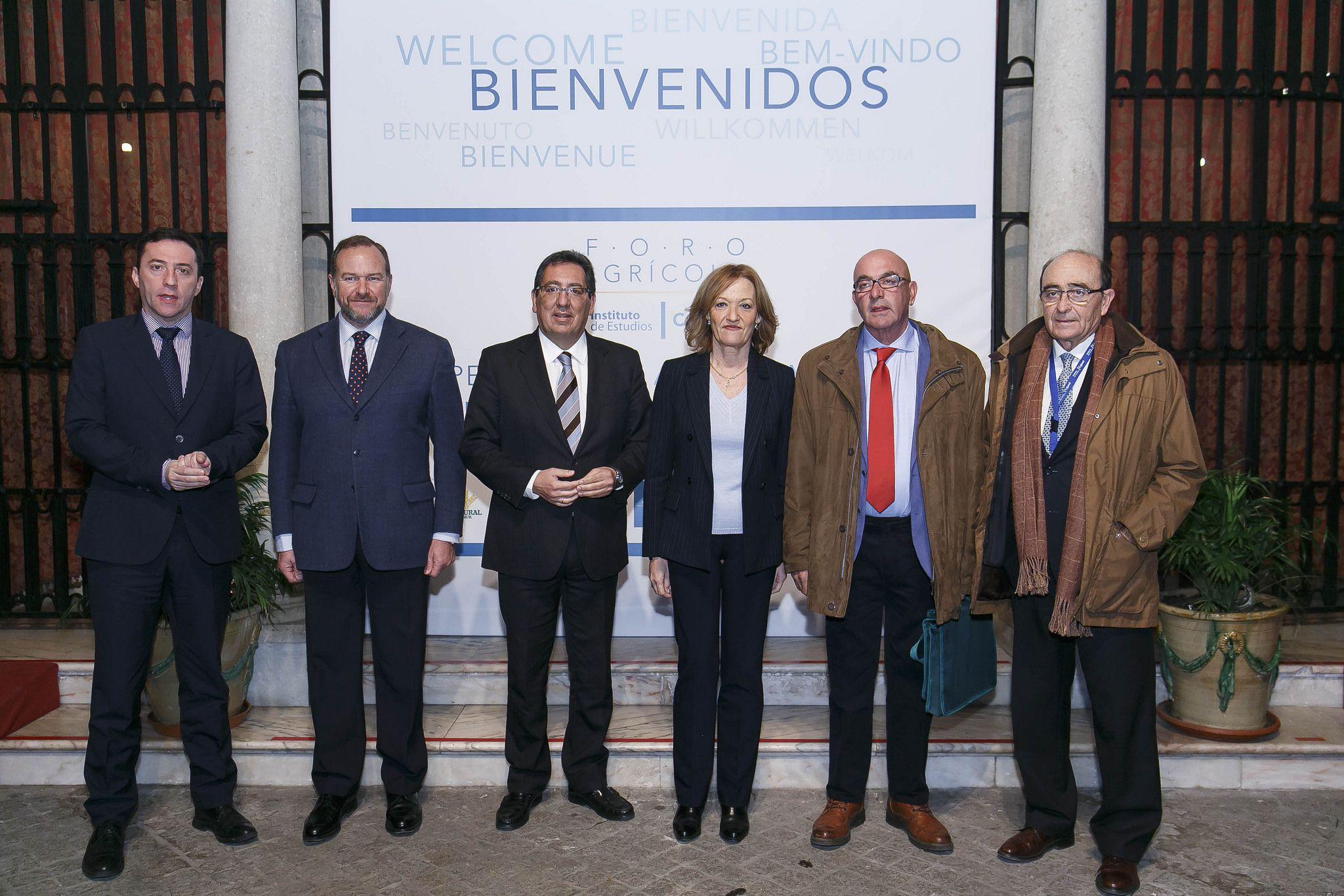 Jornada sobre cooperativismo agroalimentario en la sede de la Fundación Cajasol