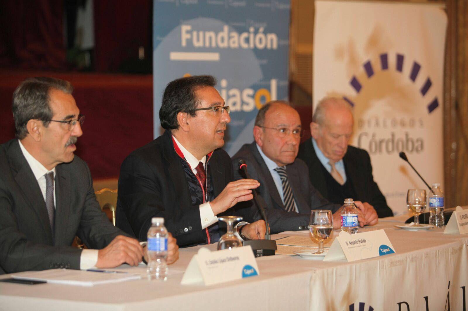 Antonio Pulido en la conferencia de Emilio Ontiveros en el Foro Diálogos Córdoba