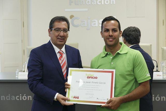 Antonio Pulido, presidente de la Fundación Cajasol en la Clausura del programa 'Taller de oficios' de la Fundación MAS