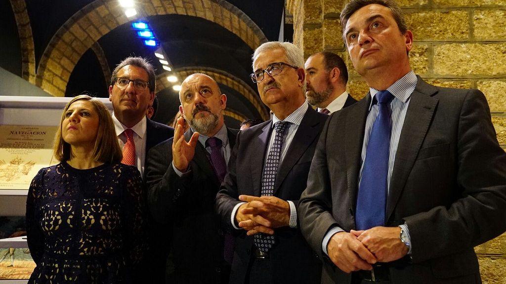 El Presidente de la Antonio Pulido, Presidente de la Fundación Cajasol en la Inauguración de la Exposición Tricentenario en Cádiz