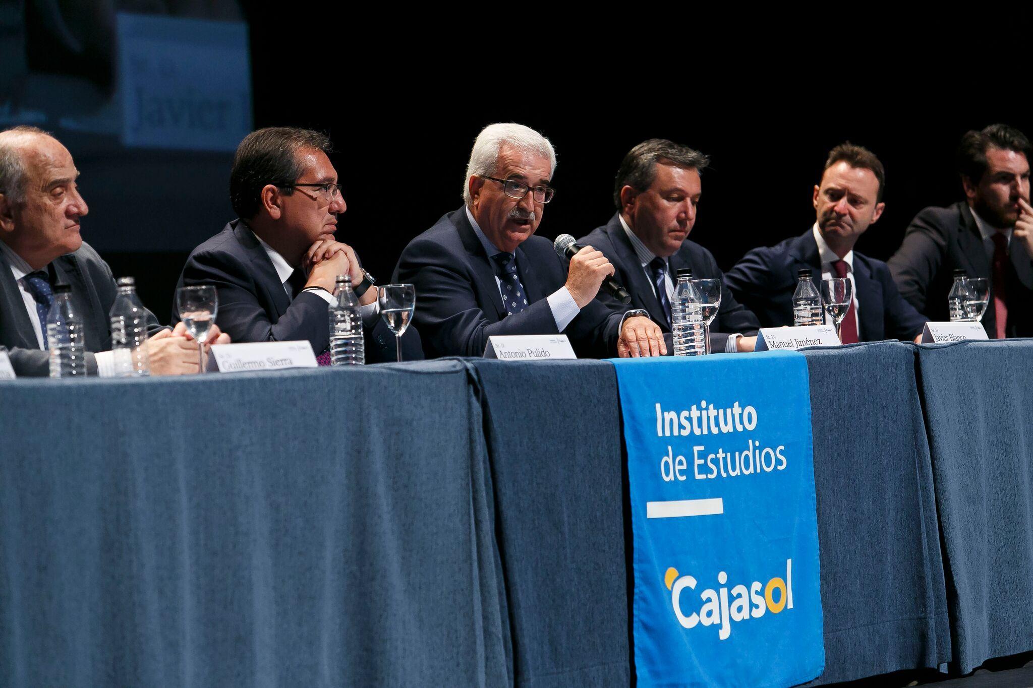 Antonio Pulido, Presidente de la Fundación Cajasol, en la Clausura del Curso 2016/2017 del Instituto de Estudios Cajasol