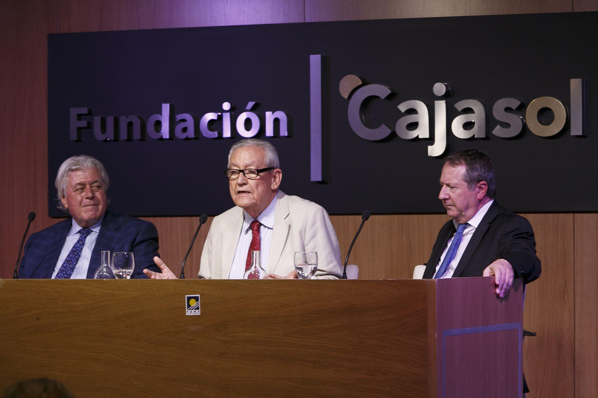 El Presidente de la Fundación Cajasol en el Foro Nueva Sociedad: Cataluña en la Encrucijada
