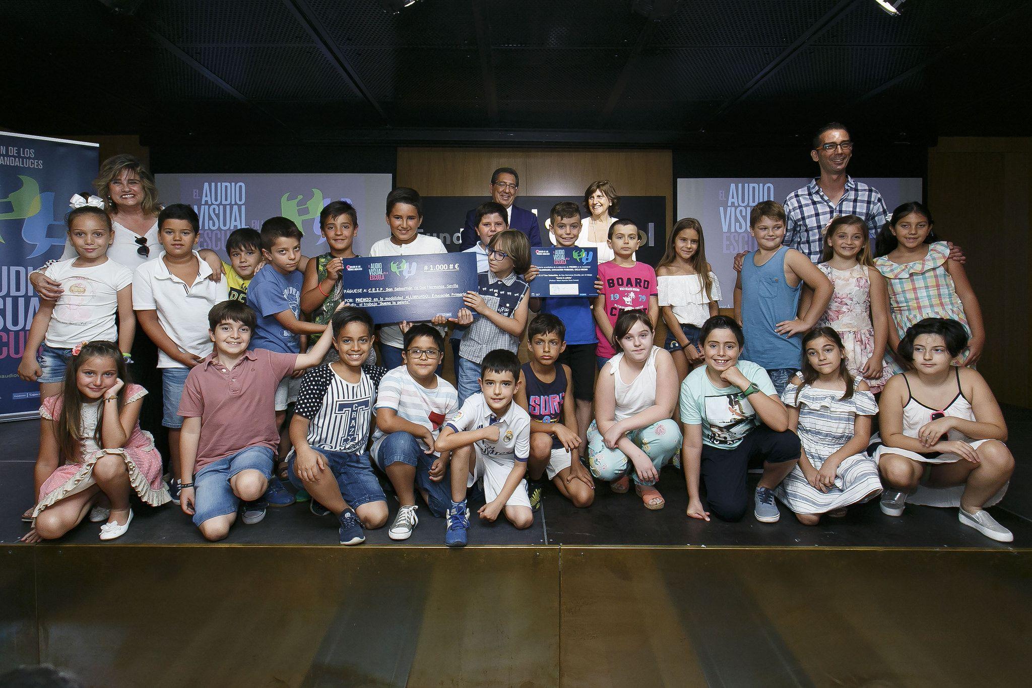 El Presidente de la Fundación Cajasol en la entrega de premios El Audiovisual en la Escuela