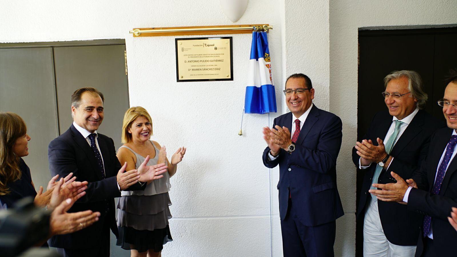 La Fundación Albor, Instituto de Formación Profesional ubicado en un edificio de la Fundación Cajasol, ha abierto sus puertas hoy en Jerez con 300 alumnos matriculados