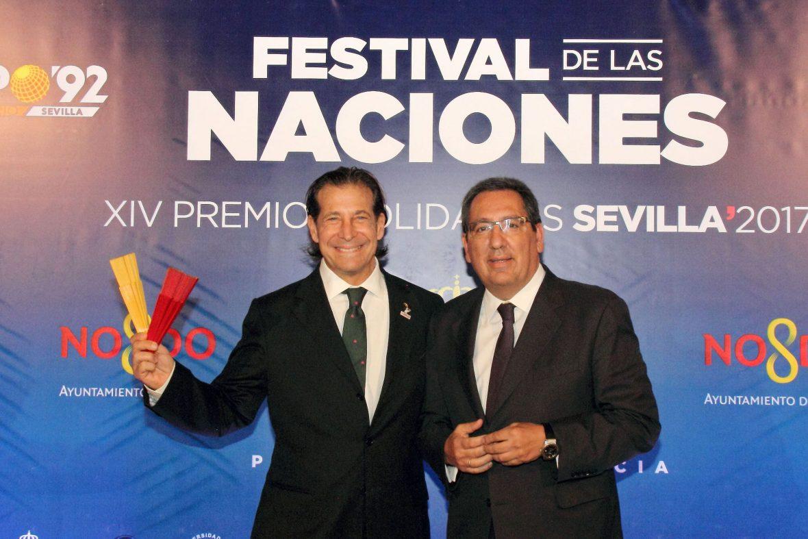 El Festival de las Naciones ha celebrado este miércoles 25 de octubre en el Real Alcázar de Sevilla una nueva edición de sus Premios Solidarios