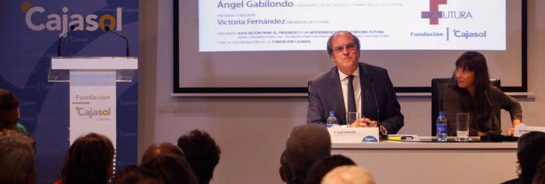 La Fundación Cajasol acoge la conferencia de Ángel Gabilondo con motivo del 20º aniversario del Consejo Social de la UPO.
