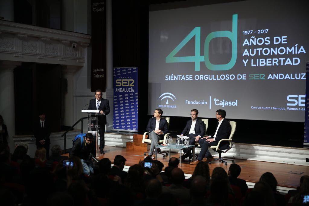 El presidente de Ciudadanos, Albert Rivera, ha protagonizado hoy junto con Juan Marín, el último Encuentro de la Cadena Ser Andalucía con motivo del 4D.