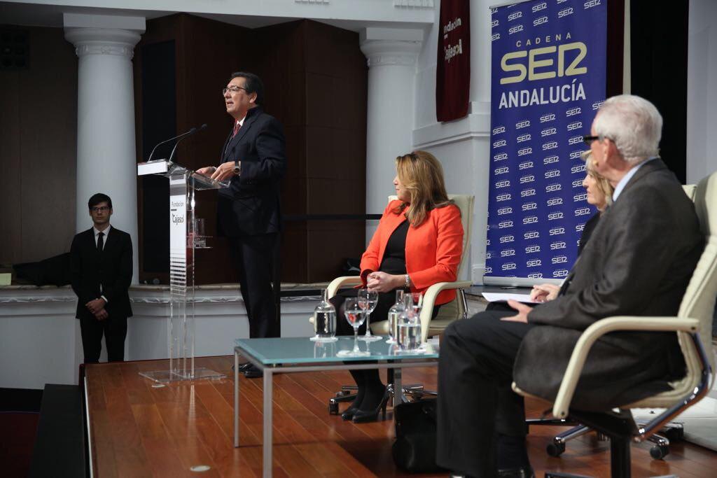 Susana Díaz y Rafael Escuredo, del PSOE, han protagonizado hoy los Encuentros de la Cadena SER Andalucía dedicados a los 40 años del 4 de diciembre.