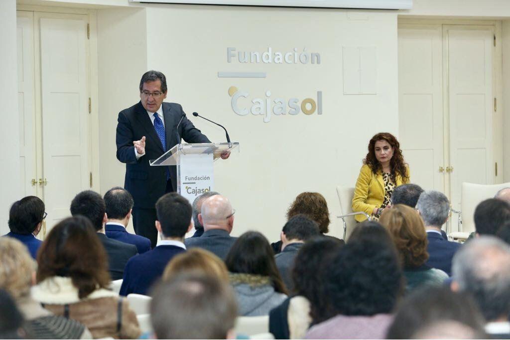 La Fundación Cajasol pone en marcha una jornada sobre financiación autonómica con la presencia, entre otros, de María Jesús Montero, Consejera de Hacienda de la Junta de Andalucía.