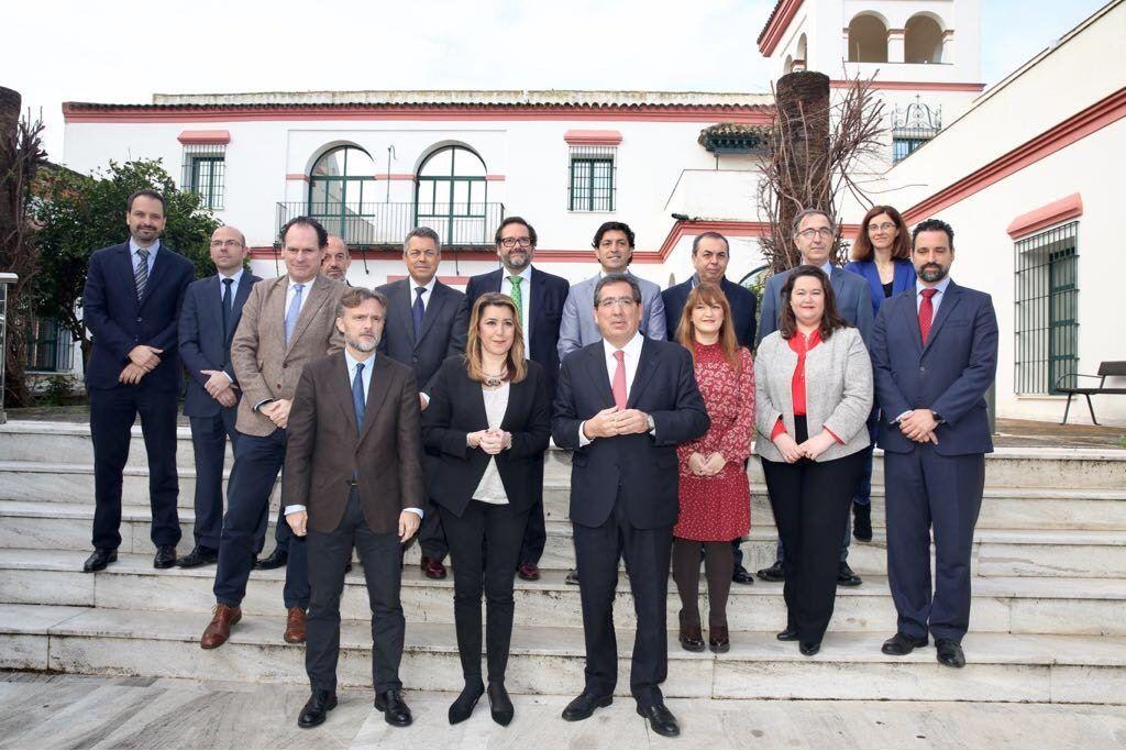 Susana Díaz Pacheco, Presidenta de la Junta de Andalucía, Antonio Pulido Gutiérrez, Presidente de la Fundación Cajasol, y José Fiscal López, Consejero de Medio Ambiente