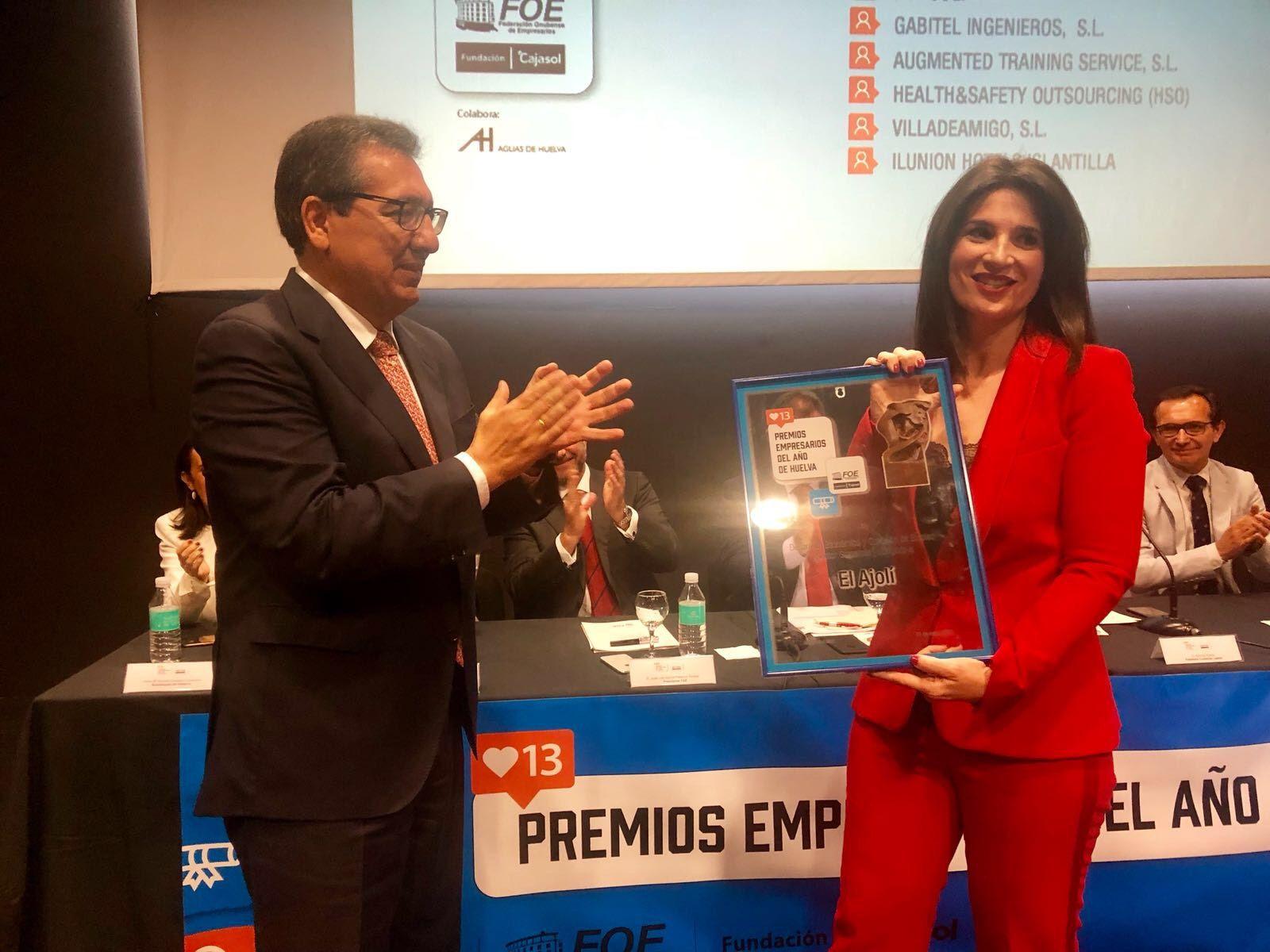 La Federación Onubense de Empresarios y la Fundación Cajasol han entregado este jueves, día 31 de mayo, los Premios Empresarios del Año de Huelva en su decimotercera edición, que permiten reconocer a las empresas de la provincia onubense que más han destacado en diferentes campos de la gestión empresarial.