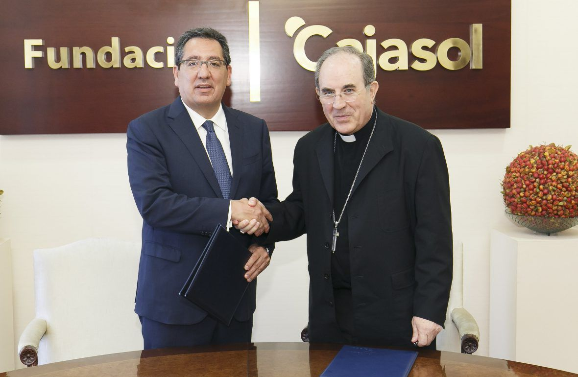 La Fundación Cajasol concede una ayuda económica que repercute a los beneficiarios de las viviendas de la Real Fundación Patronato de la Vivienda de Sevilla
