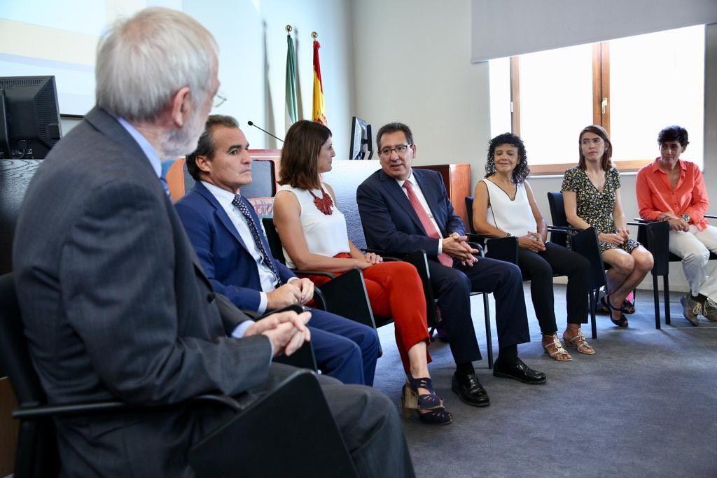 Cajasol, CaixaBank y Fundacion Vicente Ferrer presentan Bibliobus