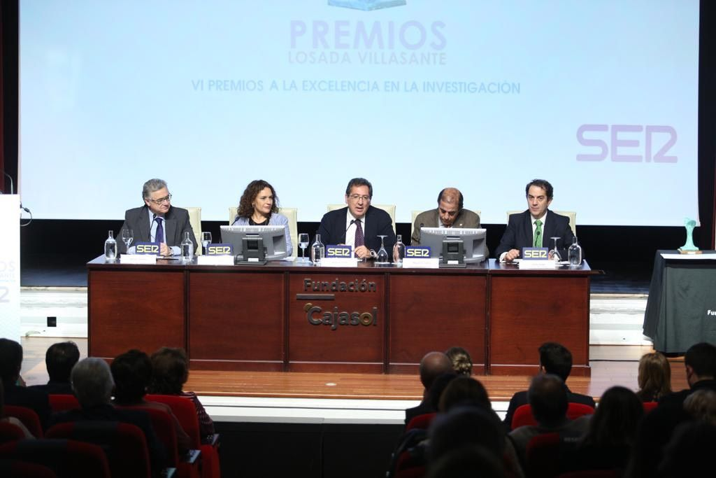 Antonio Pulido en la ceremonia de entrega de los Premios Losada Villasante