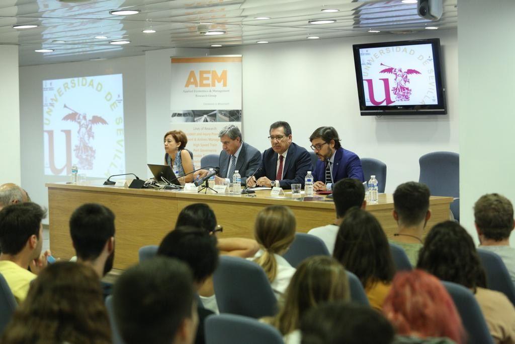 Universidad de Sevilla acoge jornadas sobre retos de la economía española