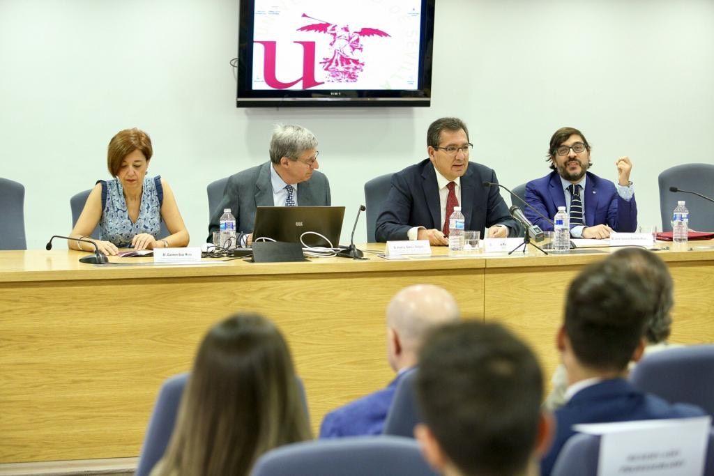 Universidad de Sevilla acoge jornada sobre retos de la economía española