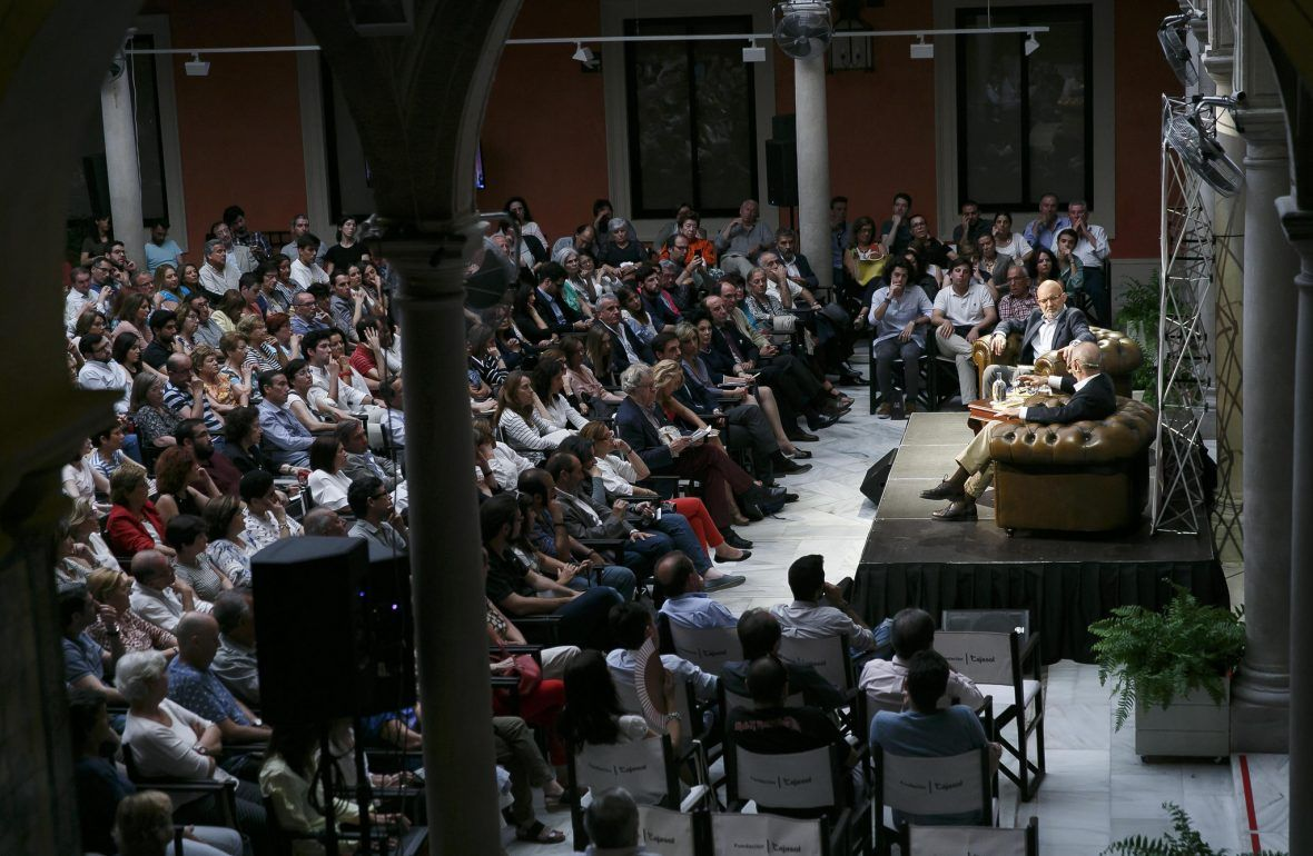 Diálogo en la Fundación Cajasol