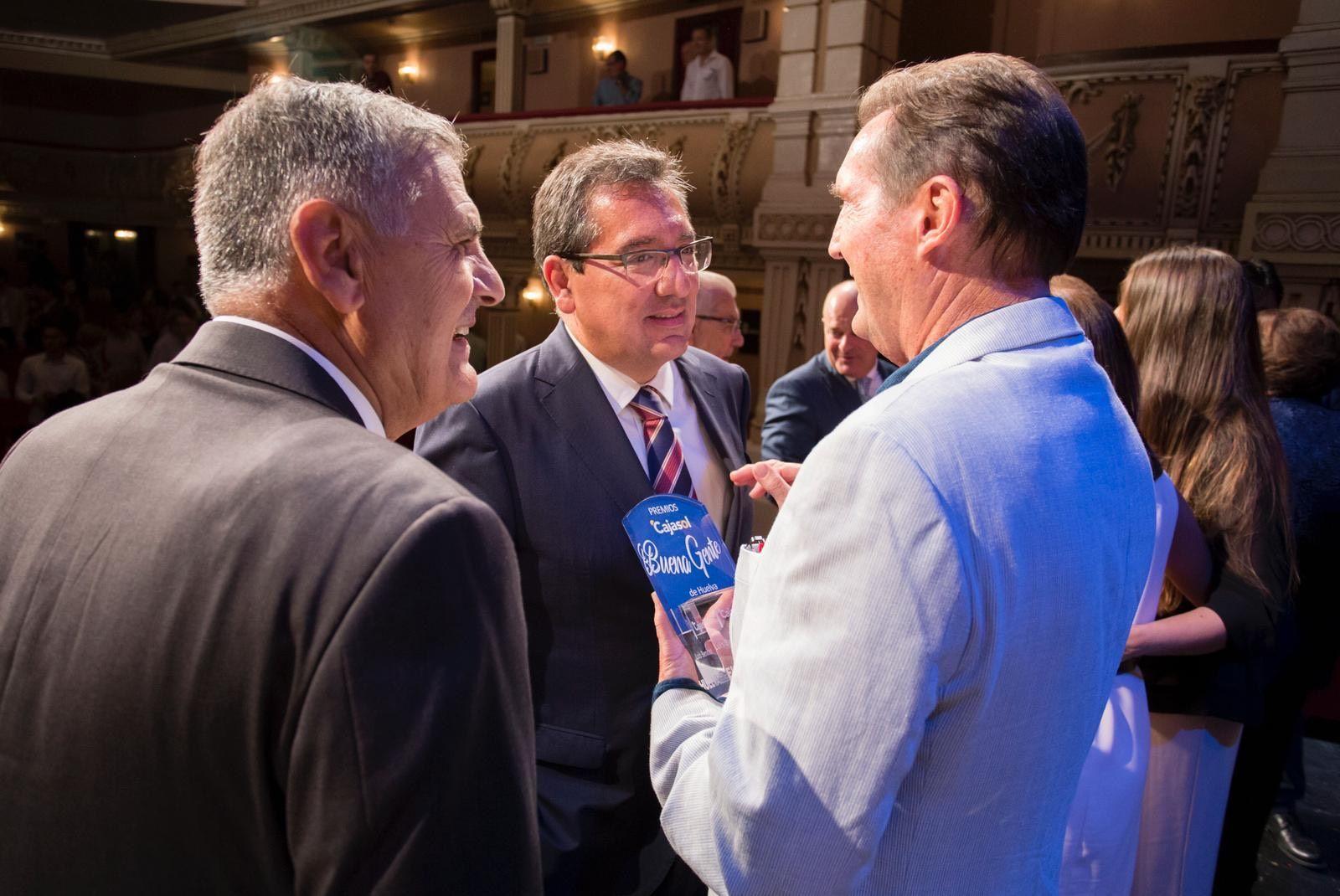 Fundación Cajasol y Huelva Buenas Noticias premian a gente buena
