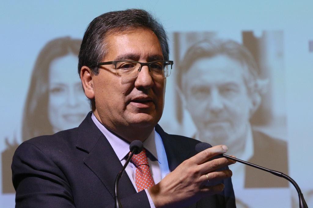 Dos Orillas Antonio Pulido Gutiérrez