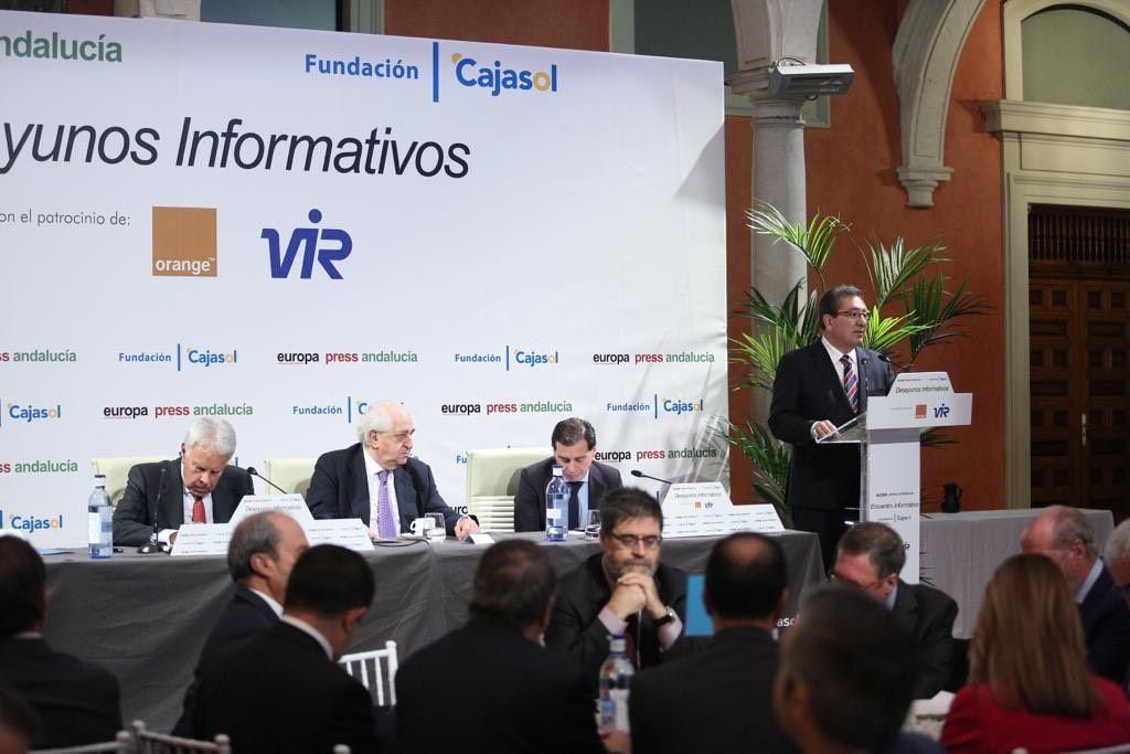 Conferencia de Felipe González en Cajasol