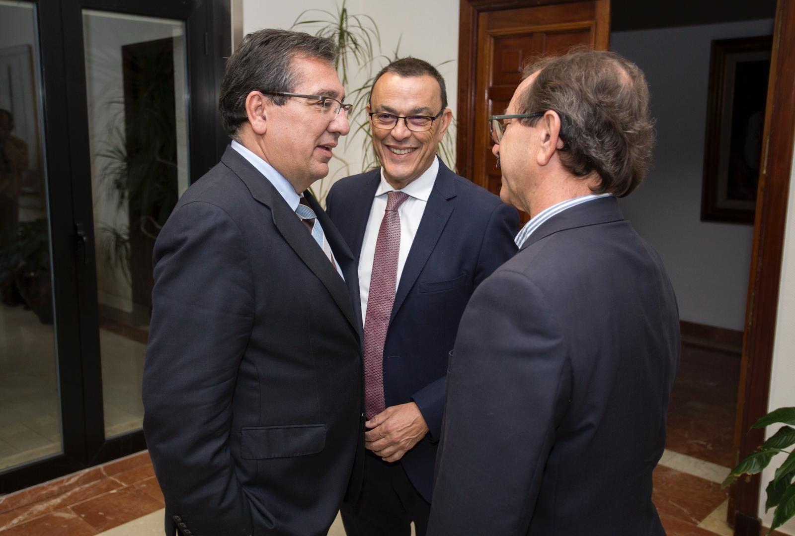 Firma de acuerdo para colaborar con el Encuentro de Hermandades Rocieras