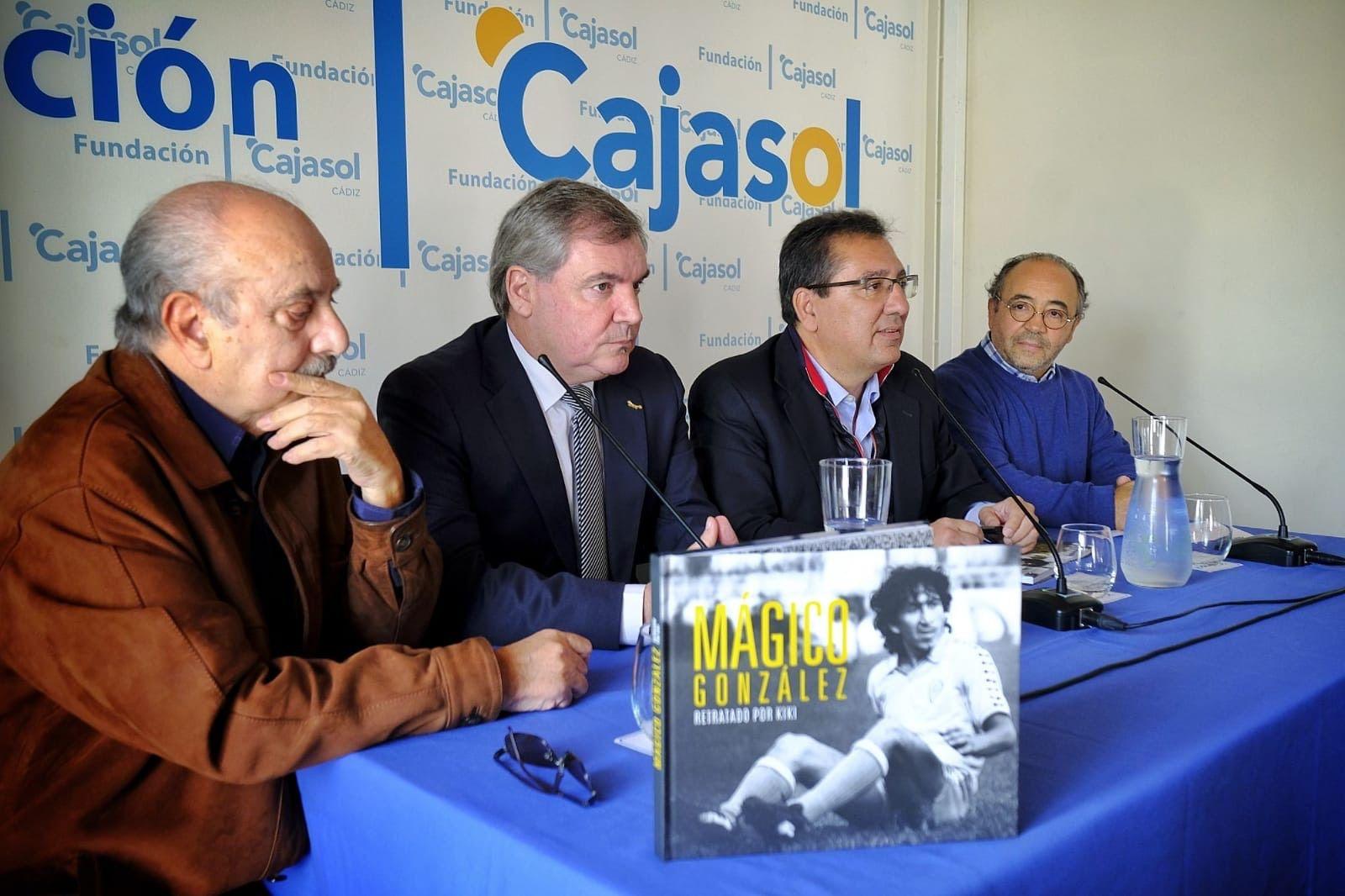 Fundación Cajasol en Cádiz: libro del fotógrafo Kiki