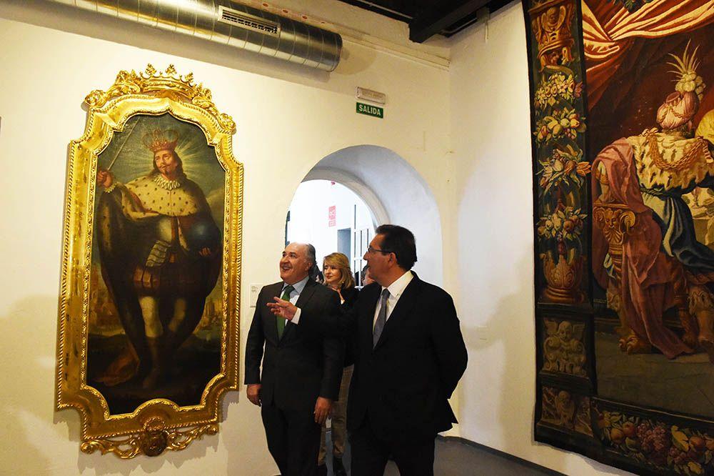 Antonio Pulido en la exposicion del Barroco en Algeciras