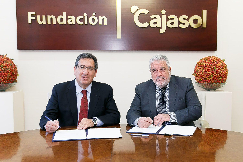 Firma de acuerdo entre Cajasol y Canal Sur