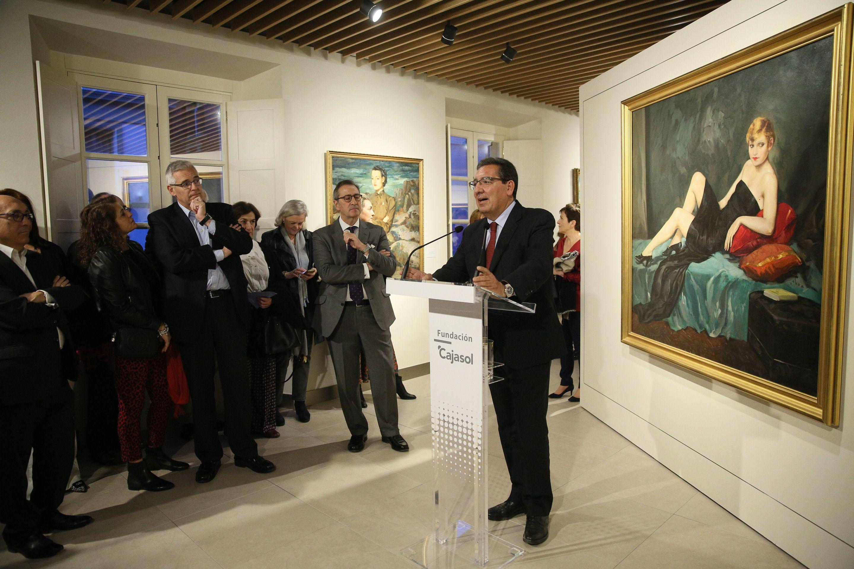 Antonio Pulido, Presidente de la Fundación Cajasol, inaugura la sala de exposiciones