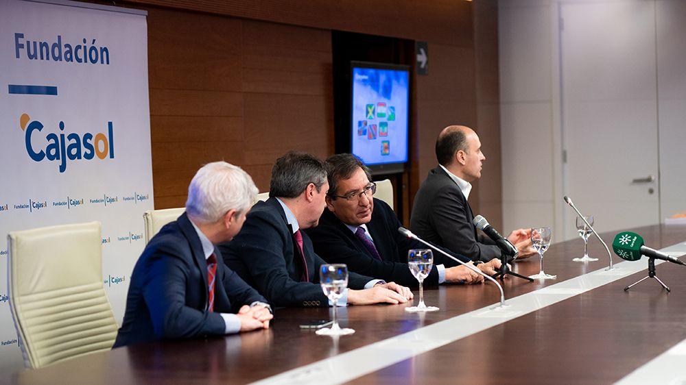 Antonio Pulido habla con Juan Espadas