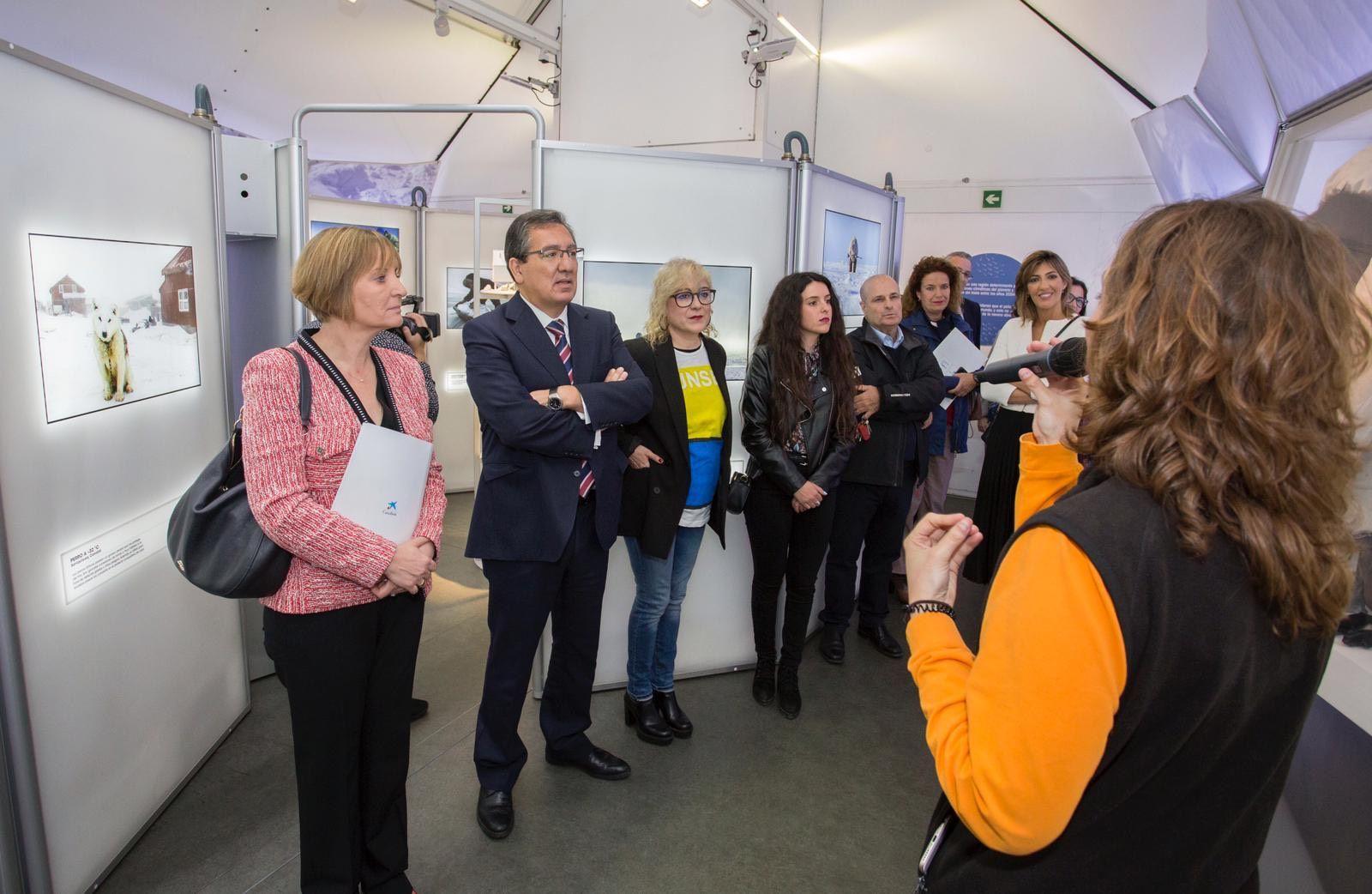CaixaBank y Cajasol inauguran exposición en Huelva