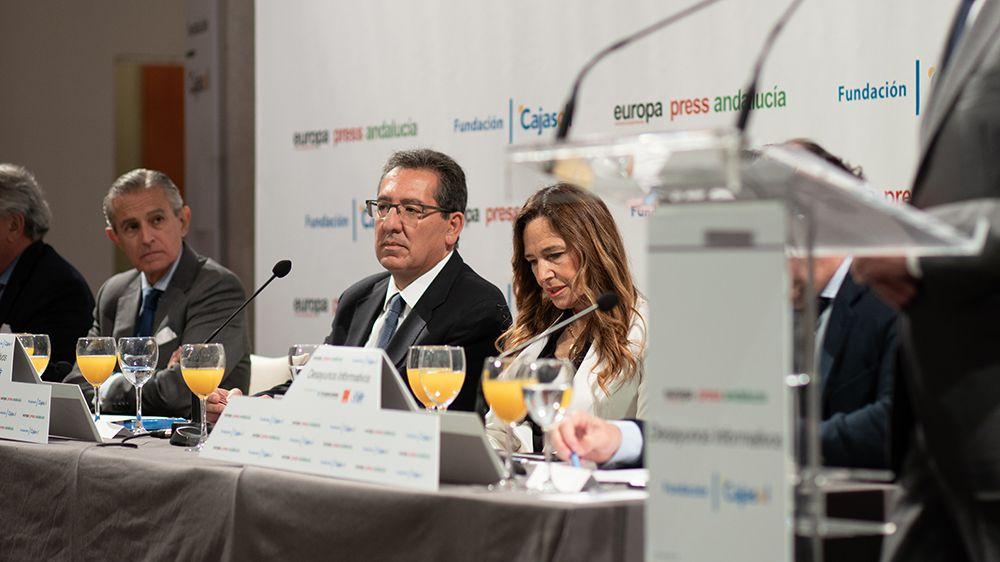 Antonio Pulido Gutiérrez y Teresa Jiménez-Becerril