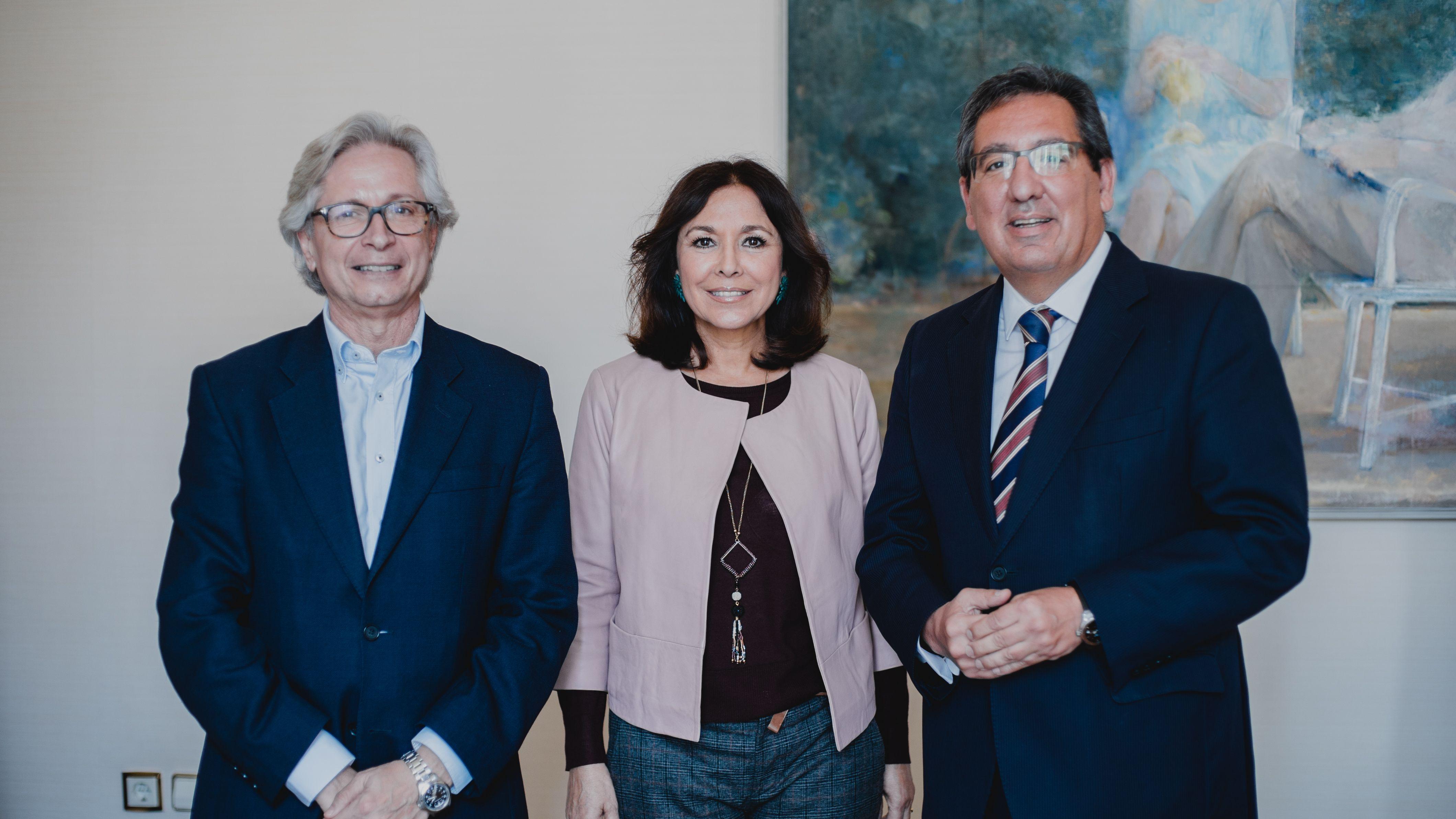 Antonio Pulido e Isabel Gemio firman convenio de colaboración