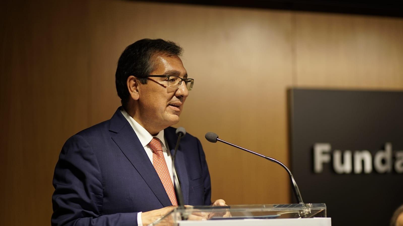 Antonio Pulido durante la presentación del libro