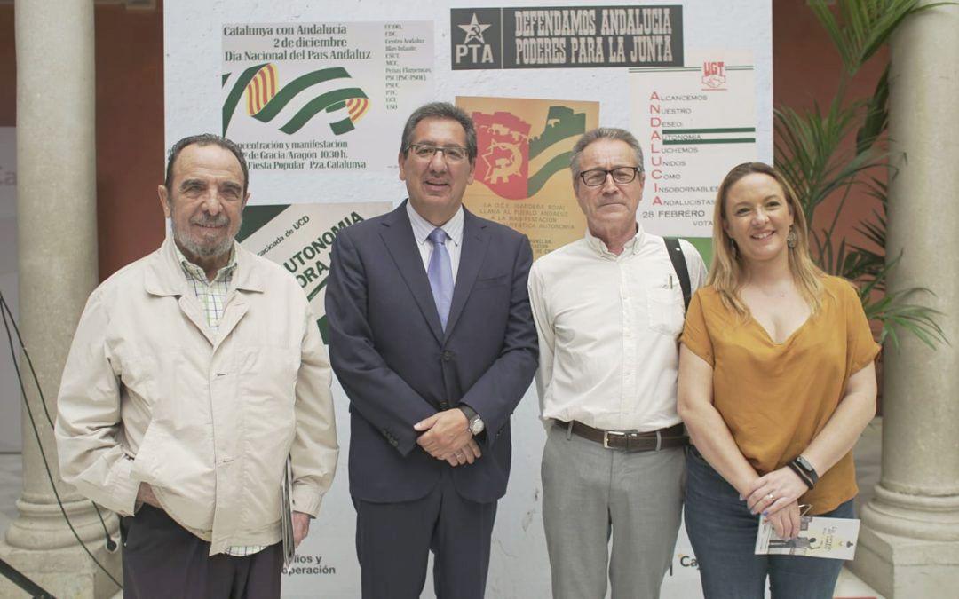 Antonio Pulido inaugura exposición Los carteles del cambio