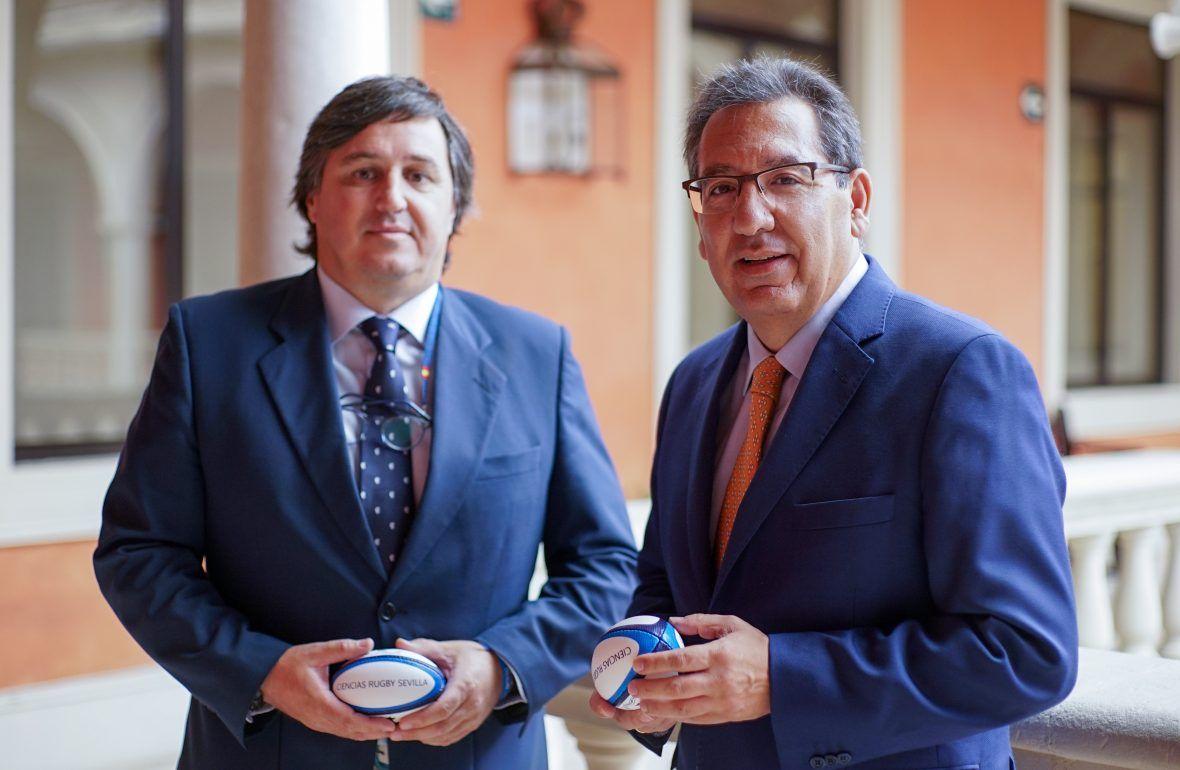 Antonio Pulido, presidente de la Fundación Cajasol, y Marco Caruz, presidente del Ciencias Club de Rugby