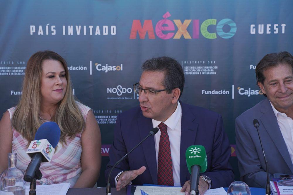 Antonio Pulido presenta el Festival de las Naciones