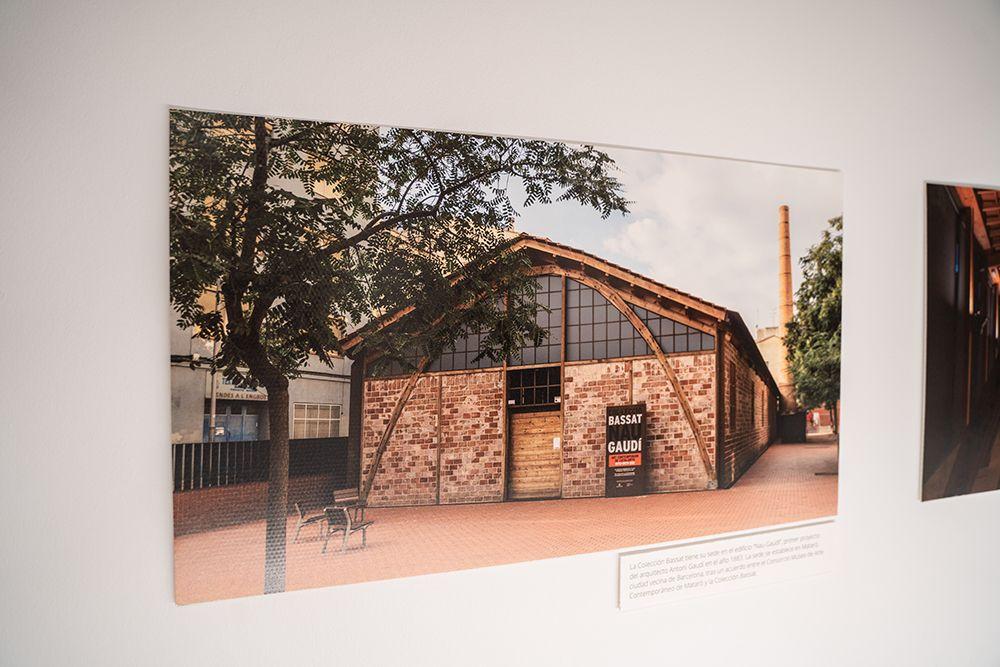 Detalle de la exposición en Cajasol