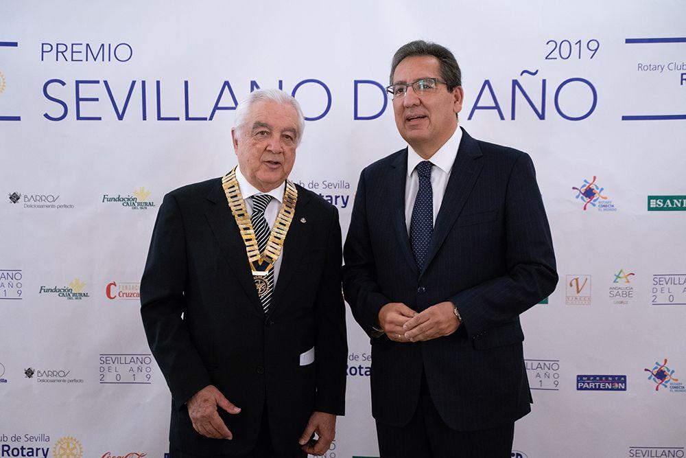 Rotary Club de Sevilla premia a Antonio Pulido Gutiérrez, Presidente de la Fundación Cajasol