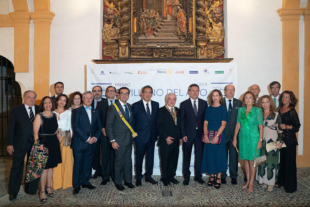 Foto de familia Rotary Club de Sevilla 2019