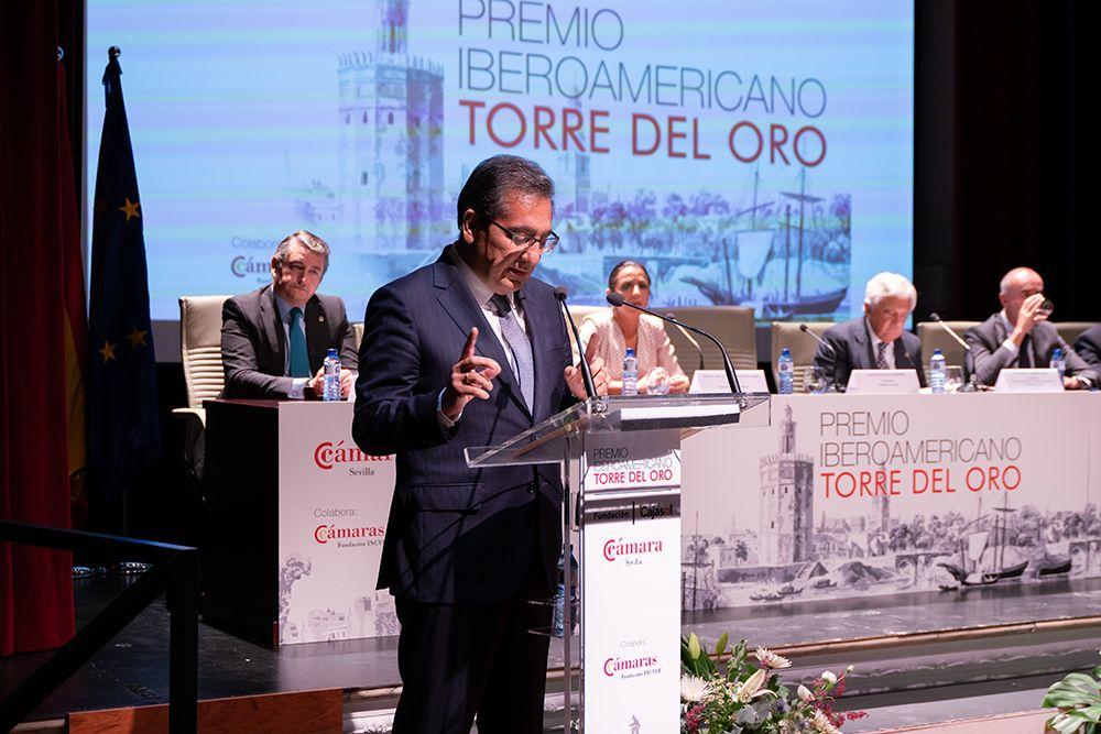Antonio Pulido interviene en la entrega de premios