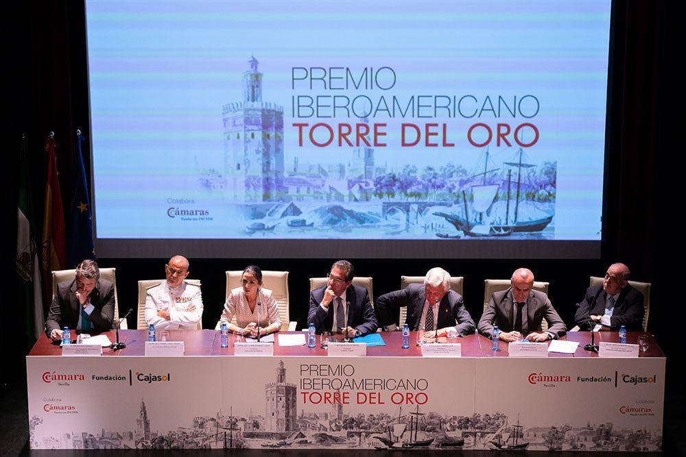 Mesa de entrega de premios Fundación Cajasol