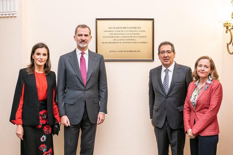 Placa conmemorativa de la visita de SSMM los Reyes a la Fundación Cajasol