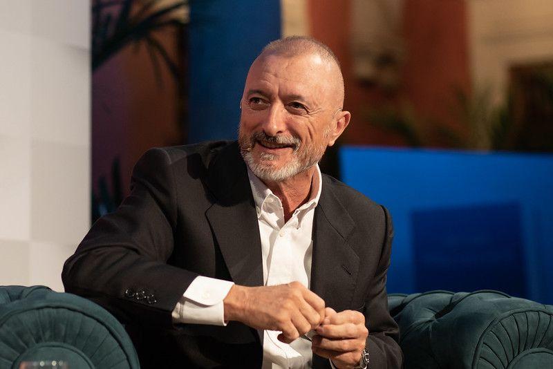 Arturo Pérez Reverte en la Fundación Cajasol