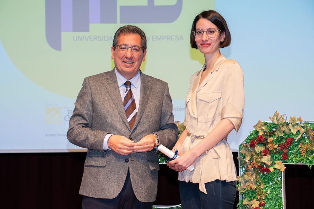 Raquel Parrilla, directora general de TMP y Antonio Pulido, Presidente de Fundación Cajasol