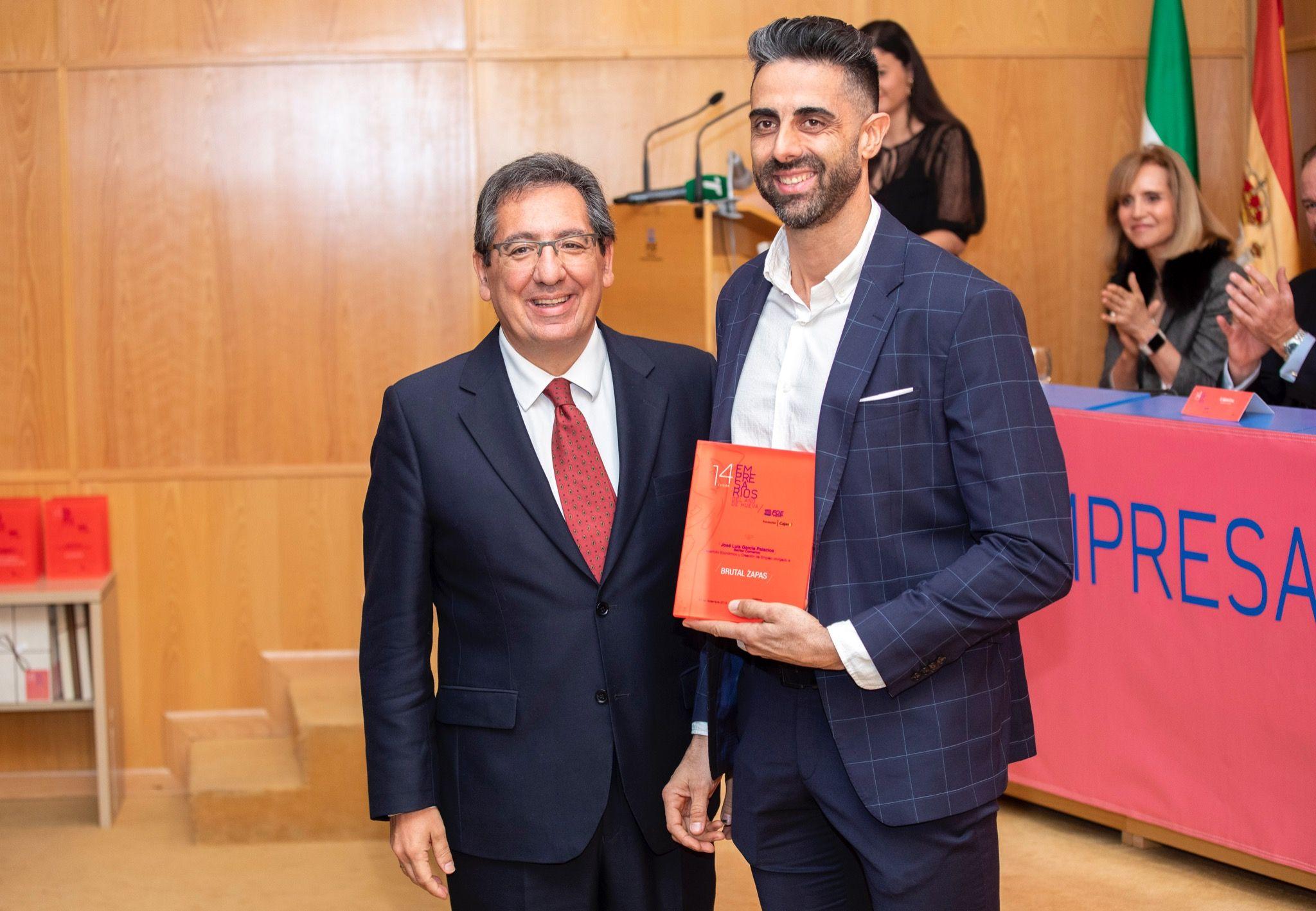 Premio entregado por Antonio Pulido