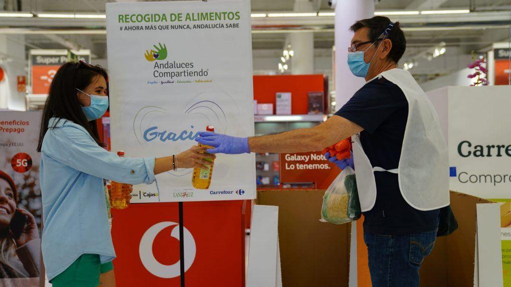 Donación de Andaluces Compartiendo de 50.000 kg de alimentos