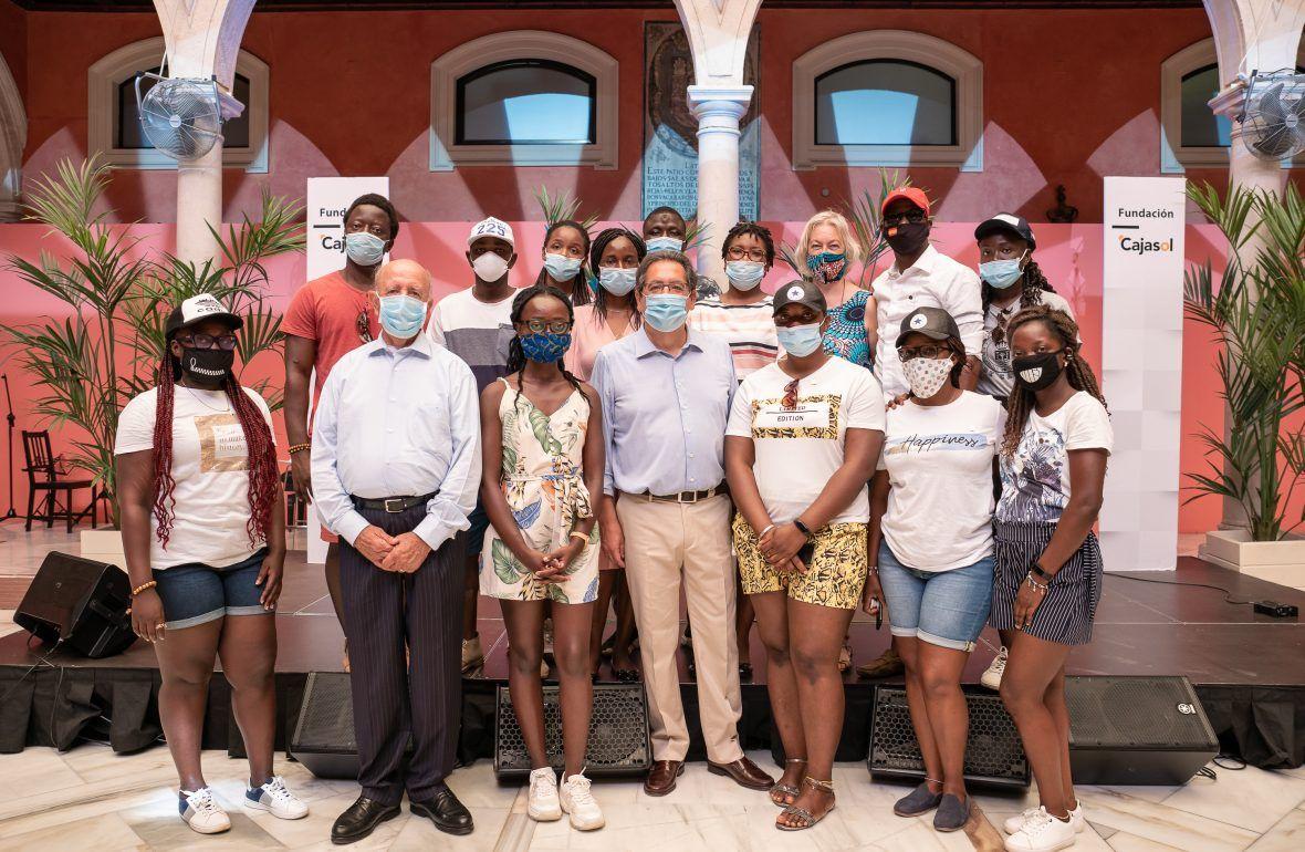 África Arco Iris, Fundación IHP y Cajasol por la vacunación
