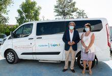 Fundación Cajasol entrega un vehículo adaptado a APASCIDE