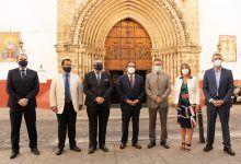 """Fundación Cajasol y Fundación """"La Caixa"""" colaboran con la Hermandad de la Hiniesta"""